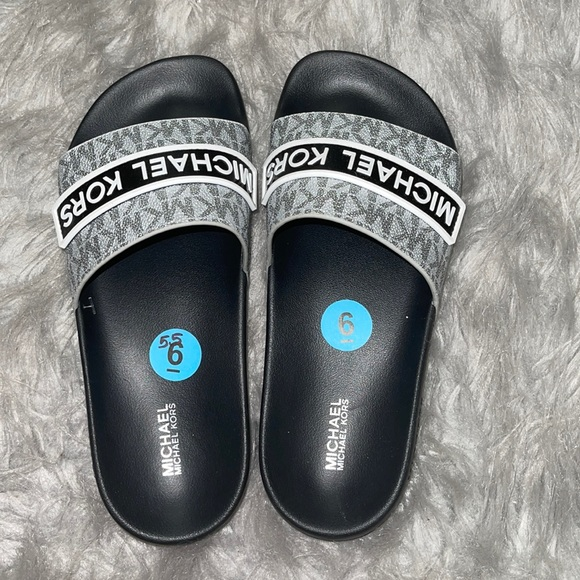 MICHAEL KORS sandal / white with black